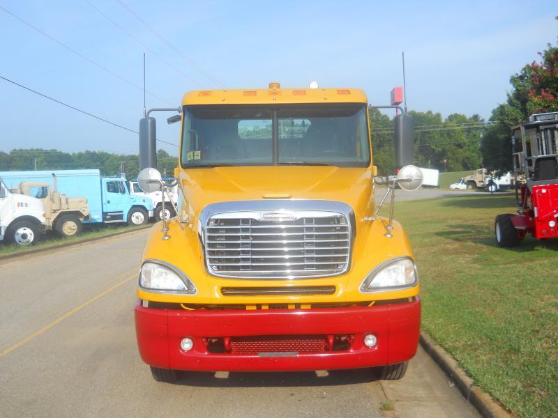 2007 Freightliner Columbia 120 2