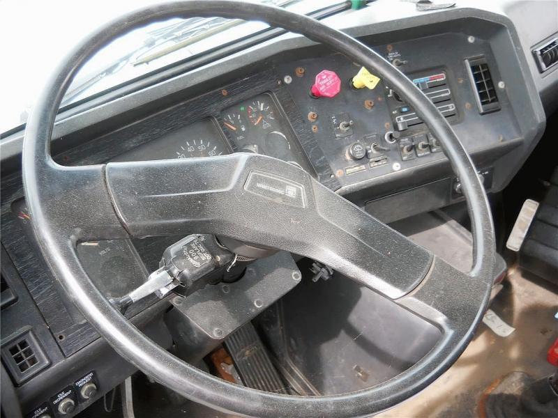 1995 Volvo WG42T 7