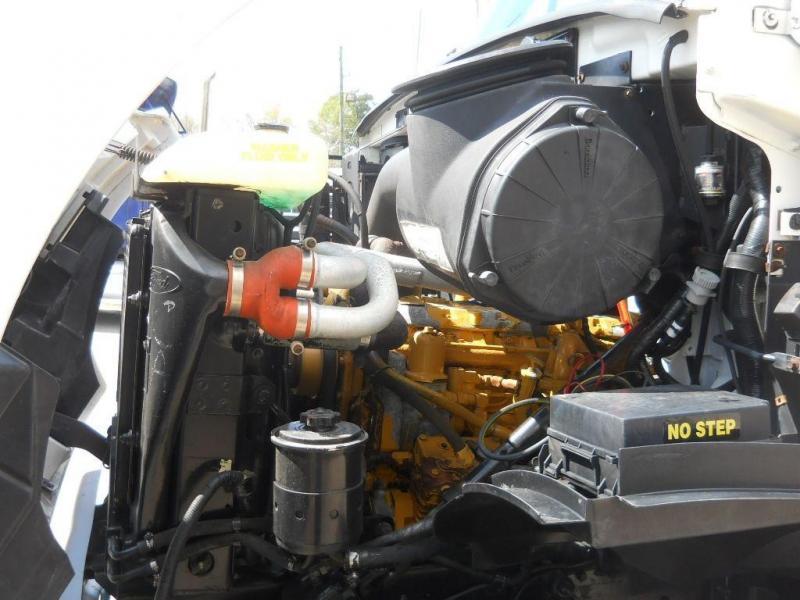 1997 Ford L8501 9