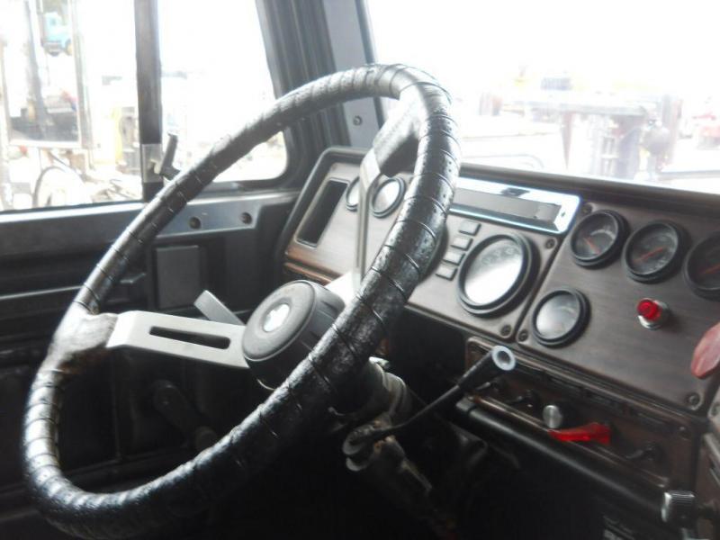 1998 Freightliner FLD12042T 14