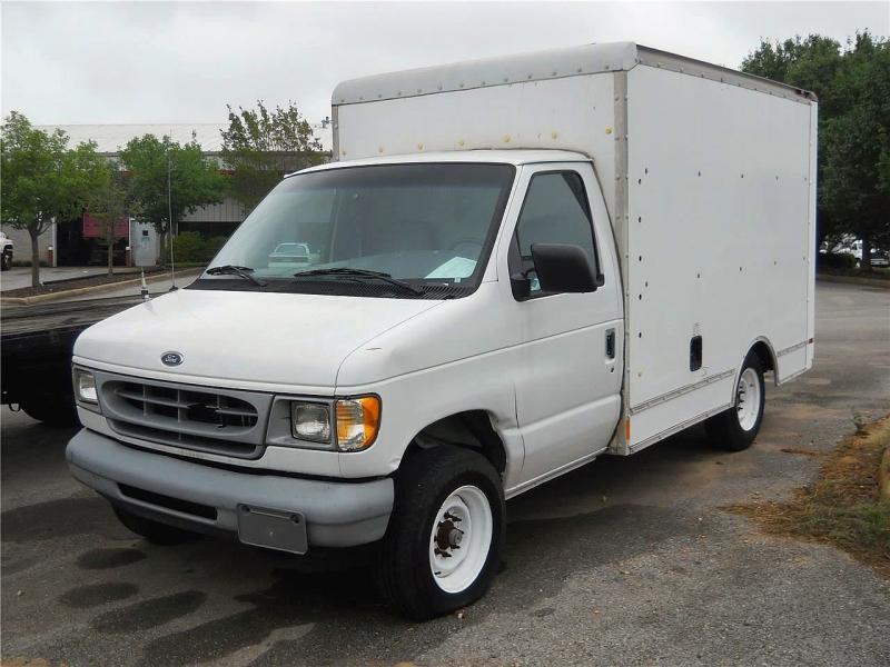 1999 Ford E250 1