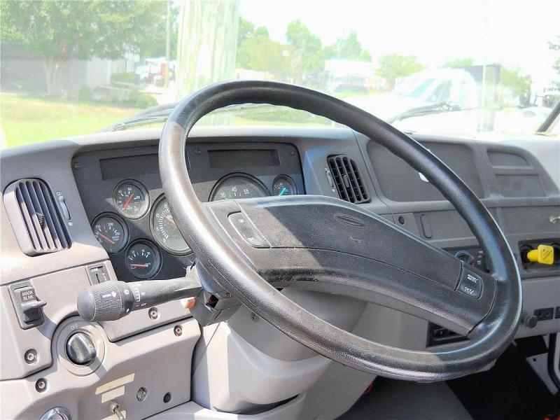 2000 Sterling L7500 3