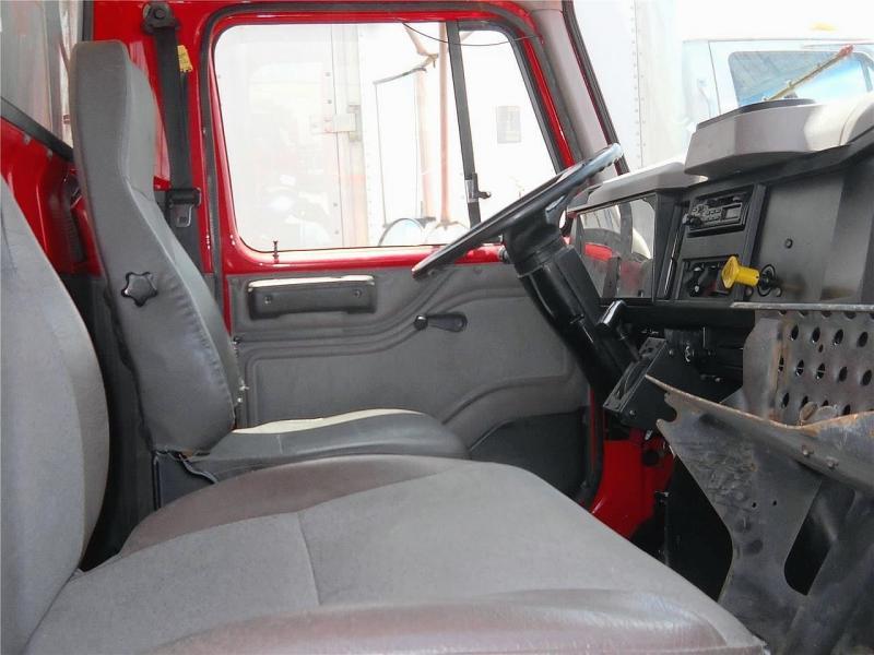 2001 International 4900 8