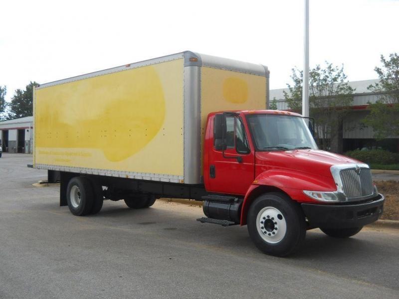 2005 International 4300 2