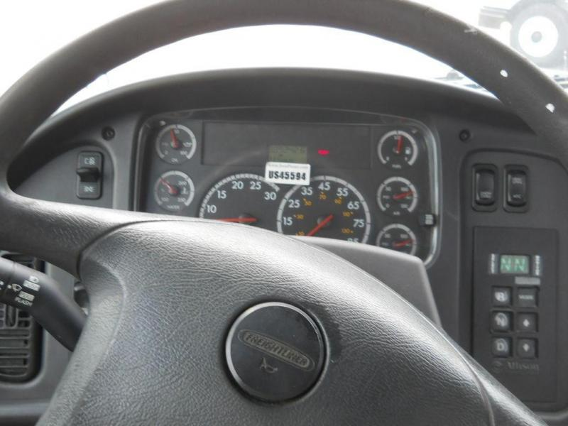 2008 Freightliner BUSINESS CLASS M2 112 11