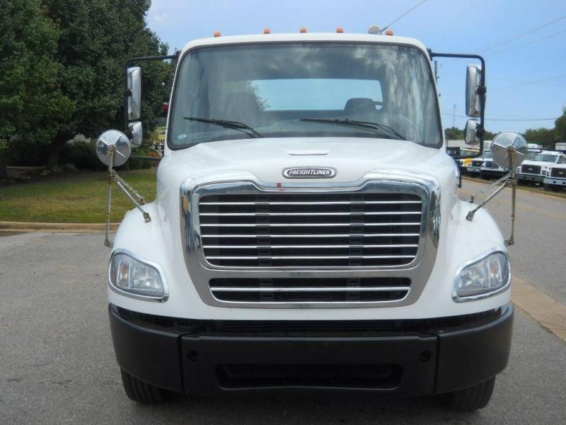 2008 Freightliner BUSINESS CLASS M2 112 12