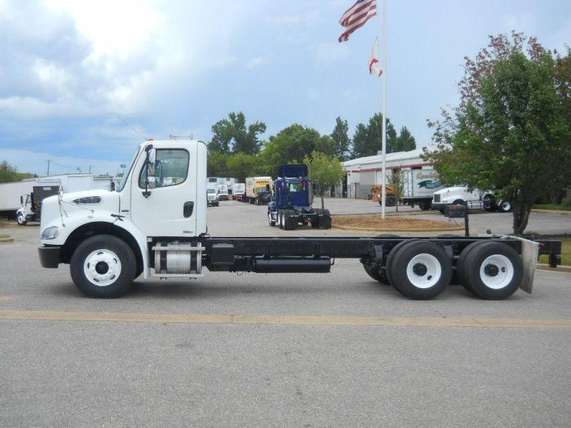 2008 Freightliner BUSINESS CLASS M2 112 13