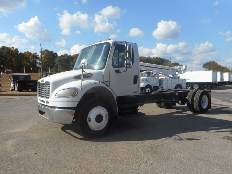 2005 Freightliner BUSINESS CLASS M2 106 4