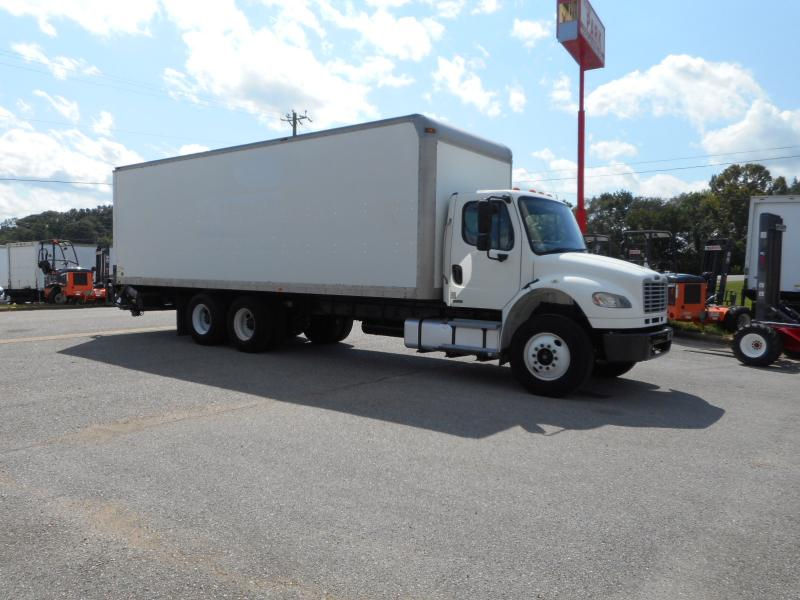 2009 Freightliner BUSINESS CLASS M2 106 12