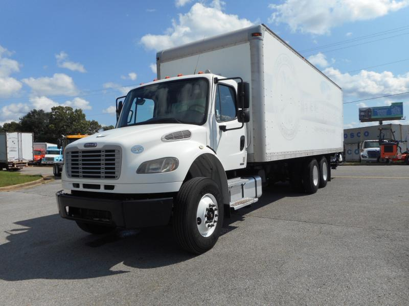 2009 Freightliner BUSINESS CLASS M2 106 13