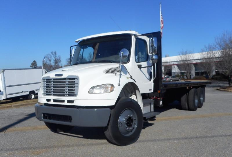 2008 Freightliner BUSINESS CLASS M2 106 1