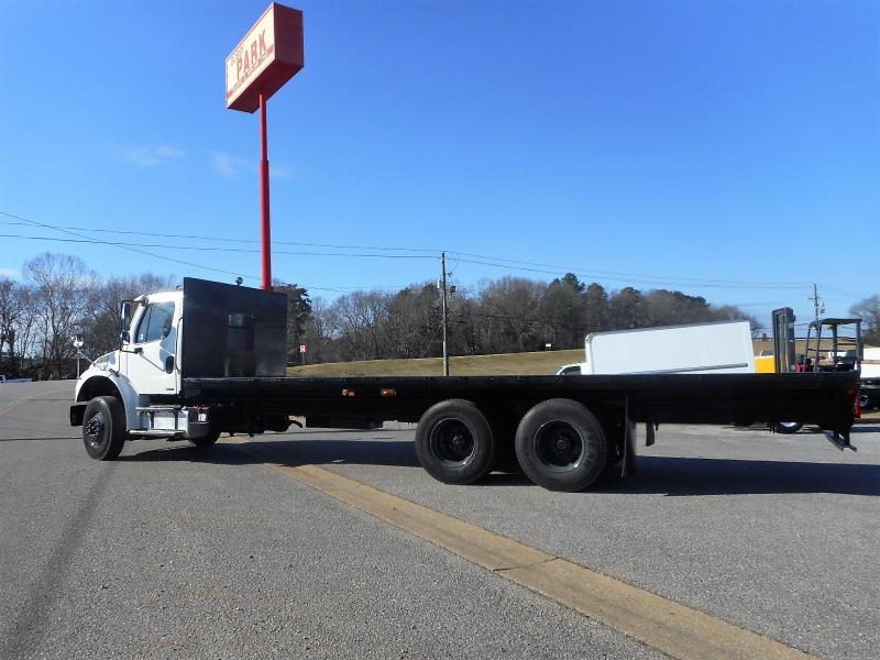 2008 Freightliner BUSINESS CLASS M2 106 10