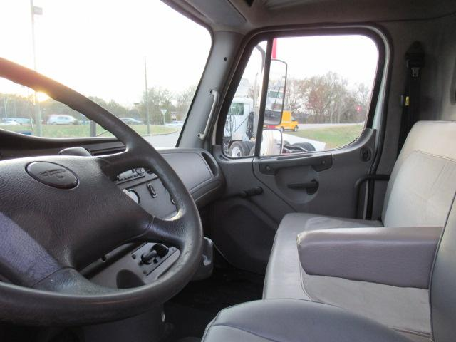 2012 Freightliner BUSINESS CLASS M2 106 8
