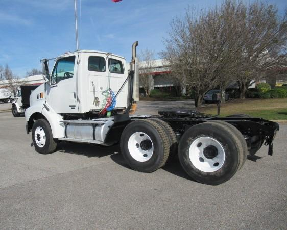 2004 Sterling AT9500 2