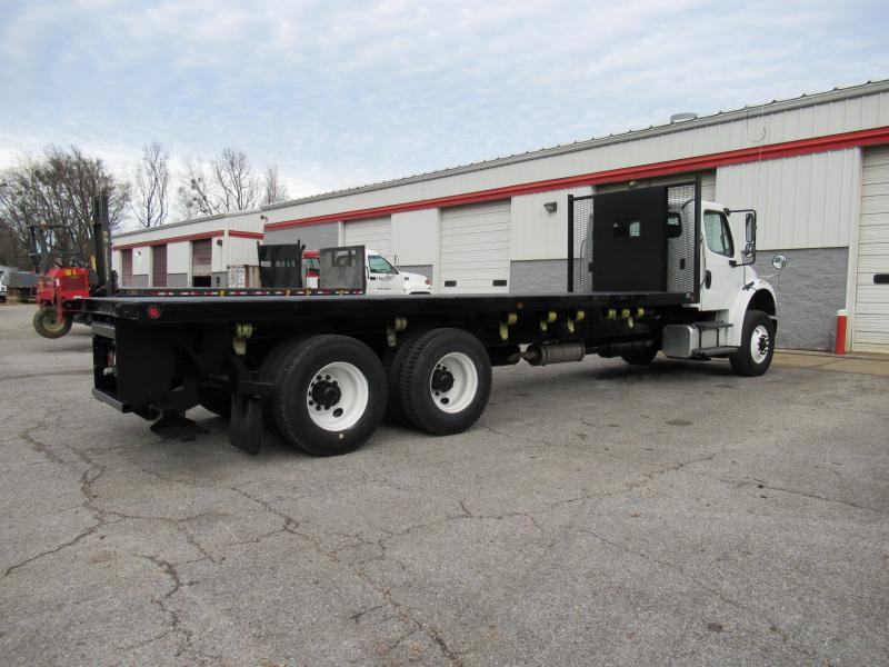2013 Freightliner BUSINESS CLASS M2 106 5