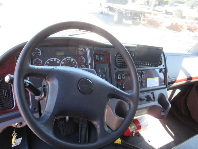 2012 Freightliner BUSINESS CLASS M2 106 9