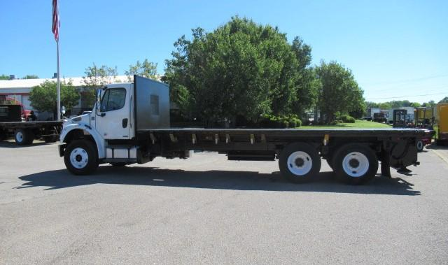 2012 Freightliner BUSINESS CLASS M2 106 5