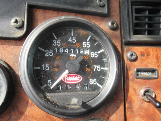 2004 Peterbilt 330 9
