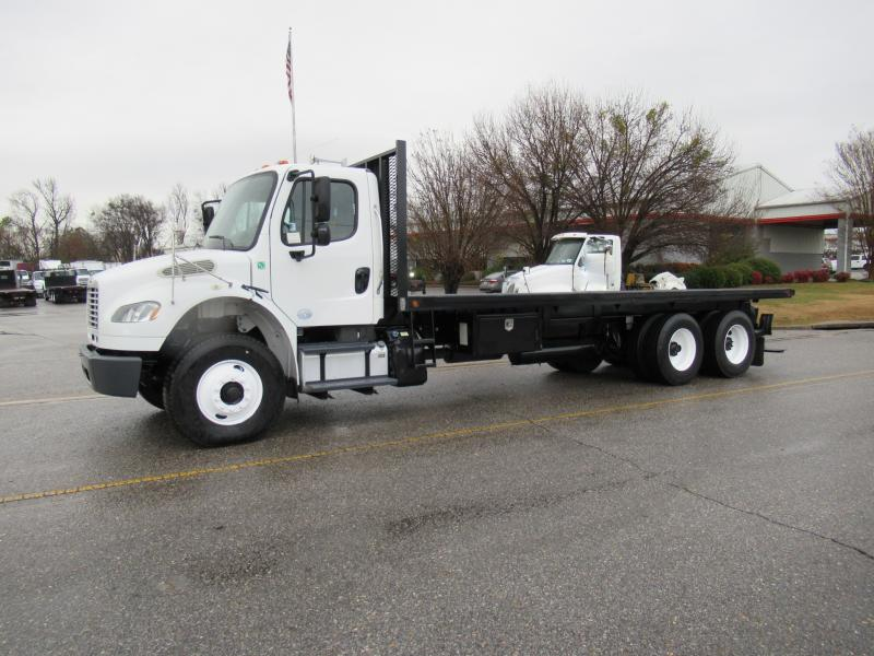 2013 Freightliner BUSINESS CLASS M2 106 3