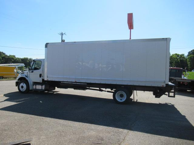 2011 Freightliner BUSINESS CLASS M2 106 2