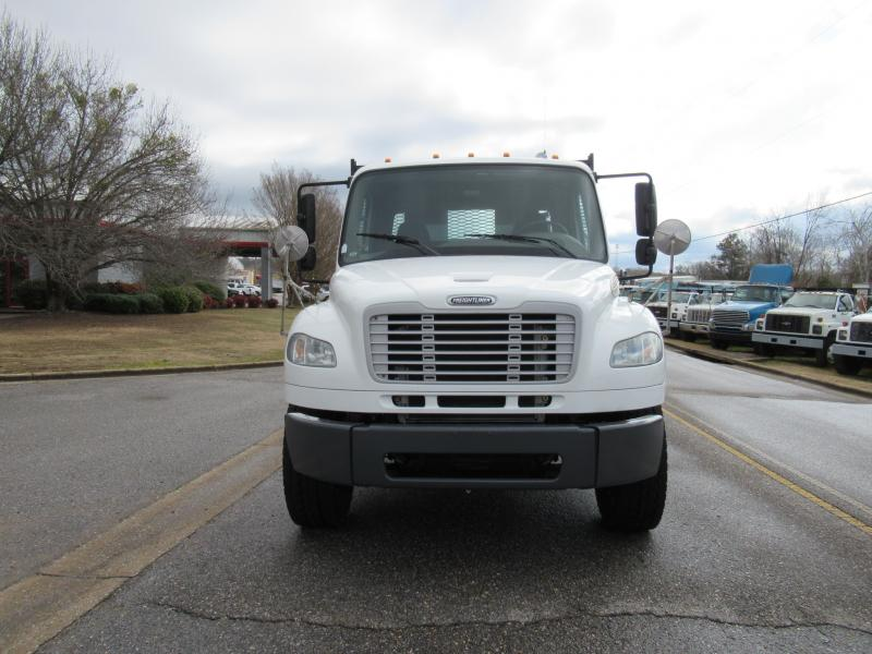 2012 Freightliner BUSINESS CLASS M2 106 6