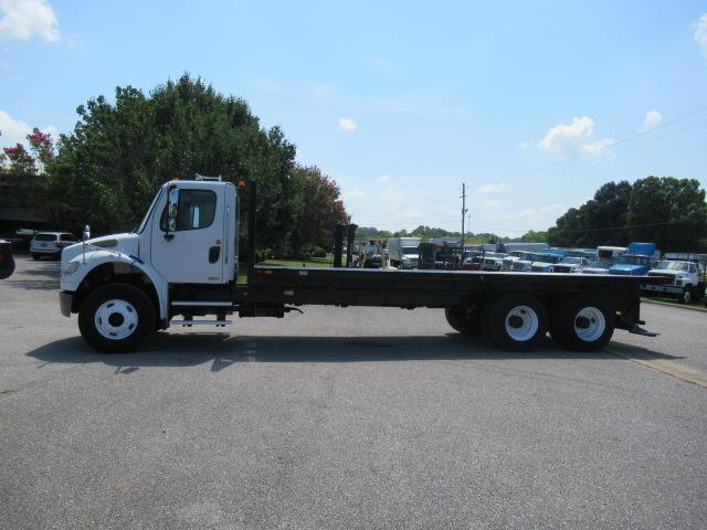 2010 Freightliner BUSINESS CLASS M2 106 2