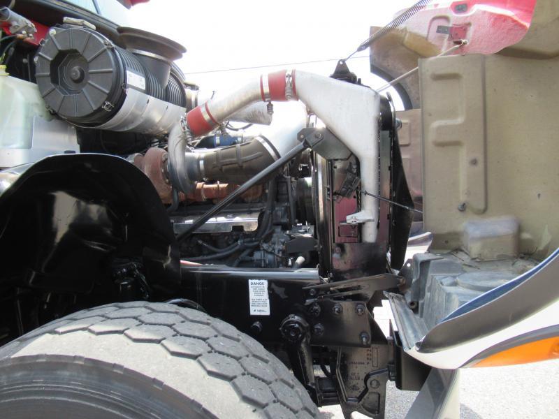 2007 Mack CV713 17