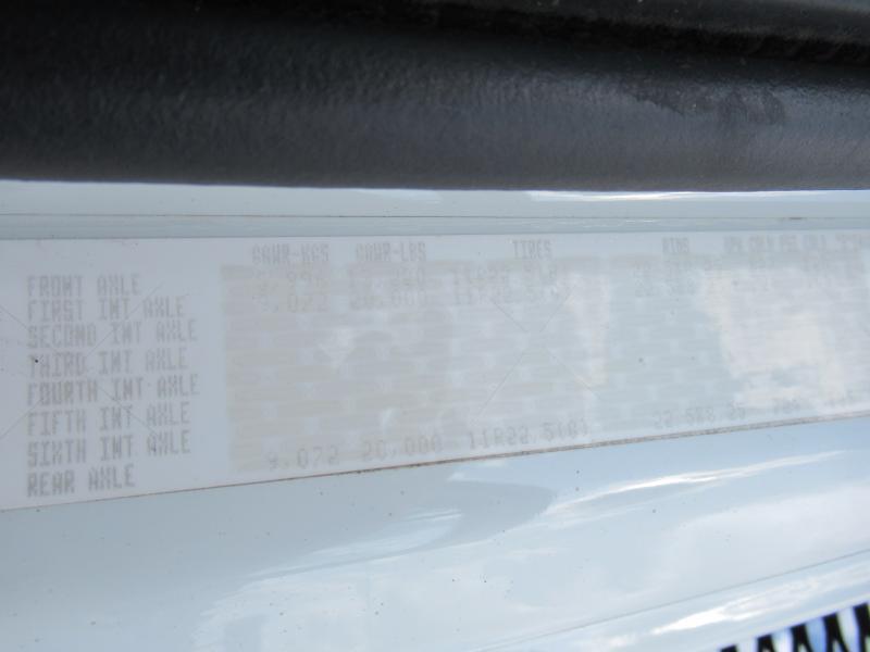 2013 Freightliner BUSINESS CLASS M2 106 20