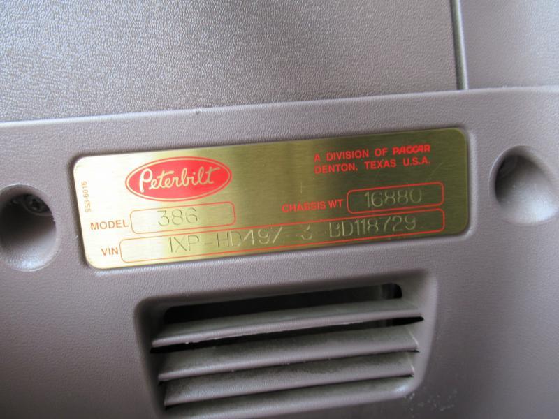 2011 Peterbilt 386 11