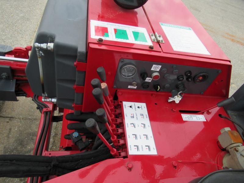 2005 Moffett M55004W 16