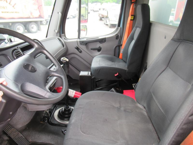 2013 Freightliner BUSINESS CLASS M2 106 15