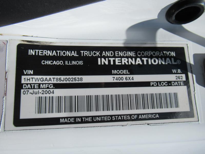 2005 International 7400 13