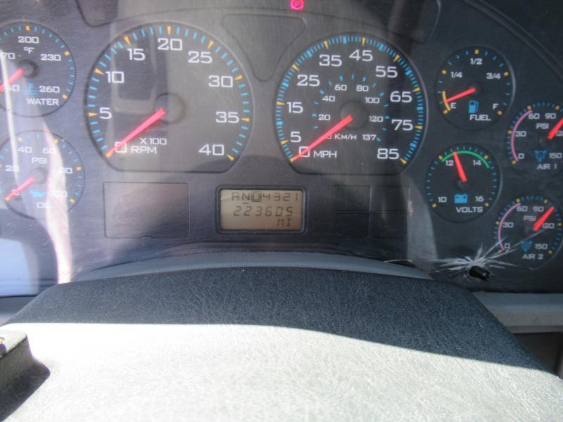 2005 International 7400 12