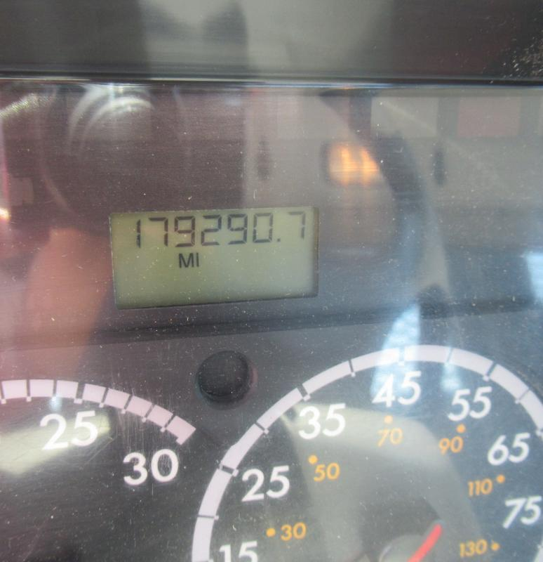 2013 Freightliner BUSINESS CLASS M2 106 12