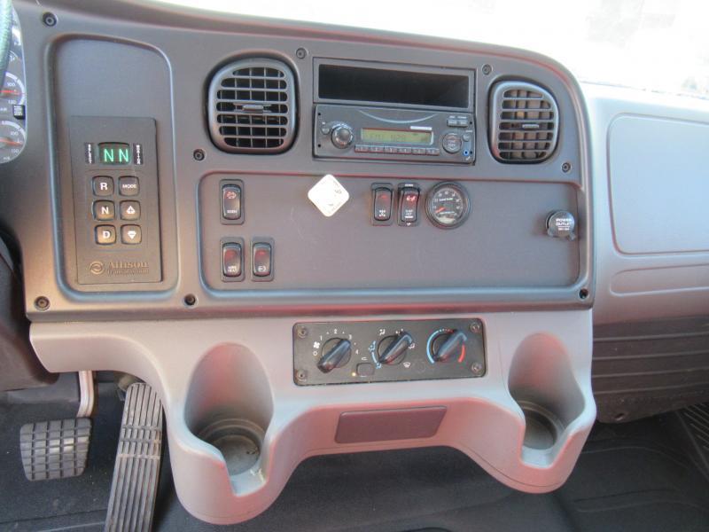 2014 Freightliner BUSINESS CLASS M2 106 8