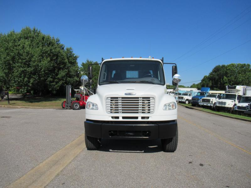 2013 Freightliner BUSINESS CLASS M2 106 10