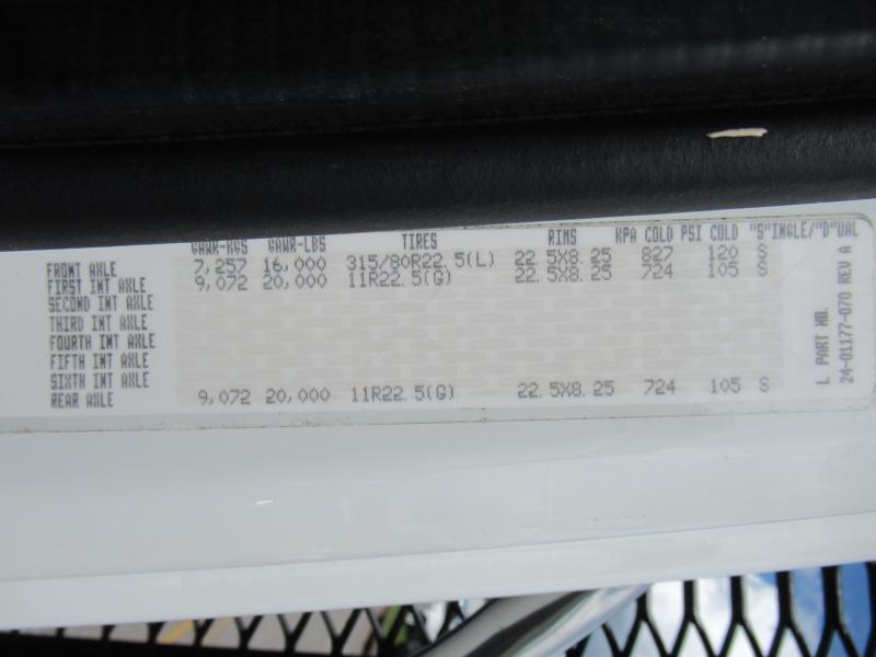 2014 Freightliner BUSINESS CLASS M2 106 20