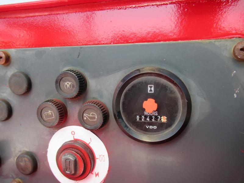 2005 Moffett M5500 15