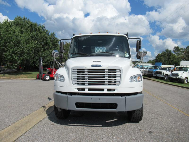 2014 Freightliner BUSINESS CLASS M2 106 6