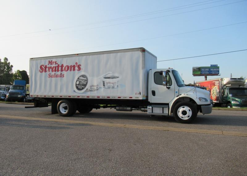 2015 Freightliner BUSINESS CLASS M2 106 1