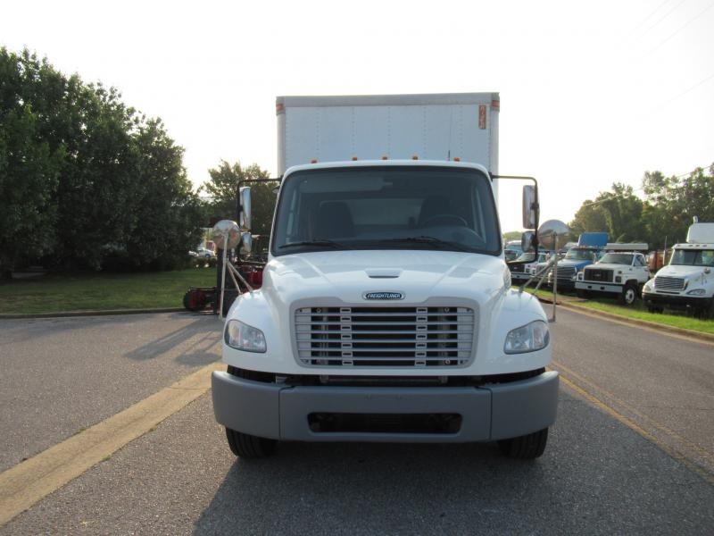 2015 Freightliner BUSINESS CLASS M2 106 8