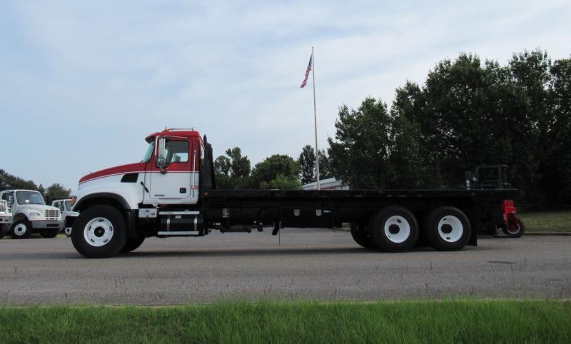 2005 Mack CV713 8