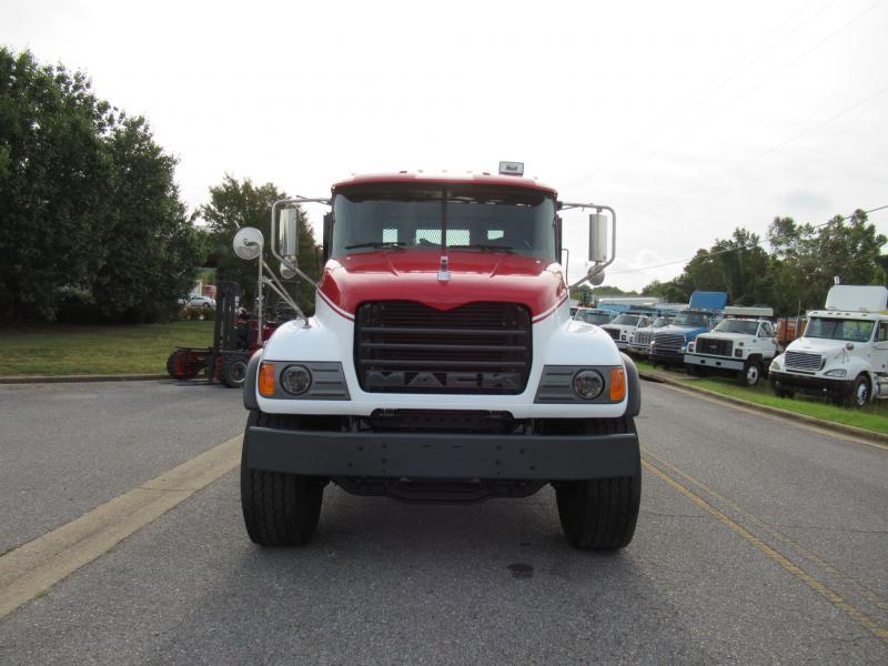 2005 Mack CV713 11