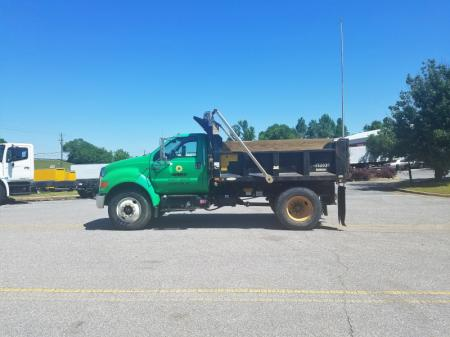 2009 Ford F750 4