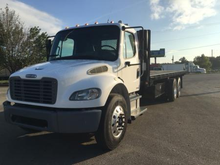 2006 Freightliner BUSINESS CLASS M2 106 2