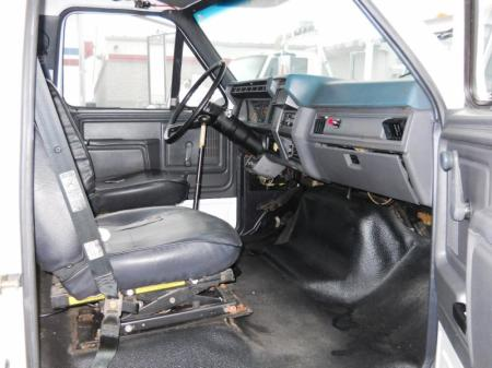 1993 Ford F700 12