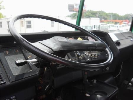 1995 Volvo WG64T 4