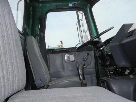 1995 Volvo WG64T 5