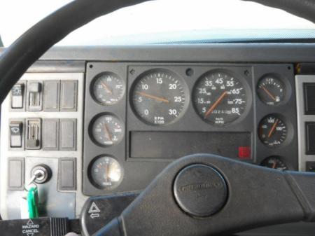 1997 Freightliner FL70 17