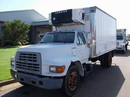 1999 Ford F800 1